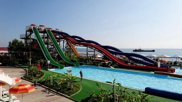 Аквапарк «Маяк» в Сочи